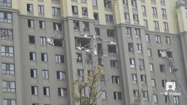 14楼燃气爆炸,4人被崩出屋坠亡