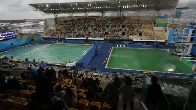 里约奥运会又一个泳池绿了