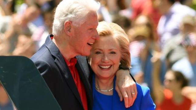 克林顿回忆追求希拉里,前两次失败