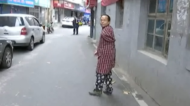 """独臂男子开""""七元旅馆""""照顾流浪者"""