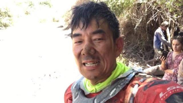 51岁任贤齐达喀尔拉力赛撞树受伤!