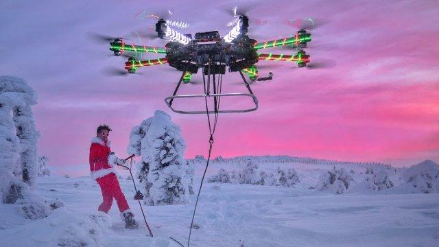 太可怕!野兽级无人机带你飞上天