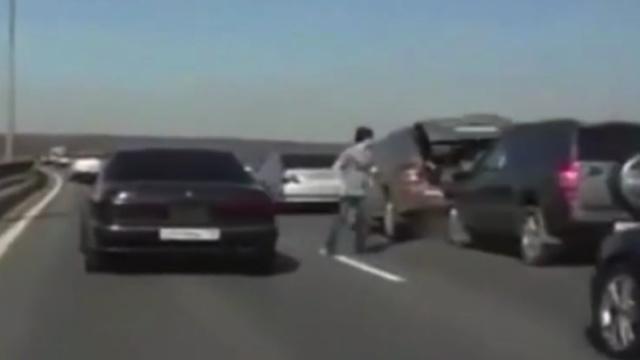 被车撞36米获吉尼斯,敢打破吗?