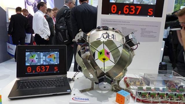 0.637秒!魔方速拧新纪录诞生