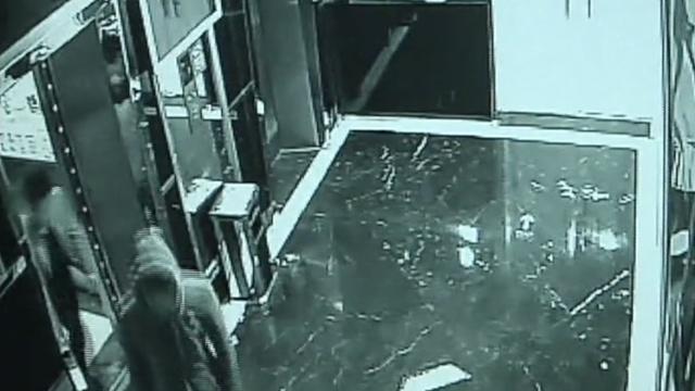 失意女子宾馆摇微信,摇来3个抢劫的
