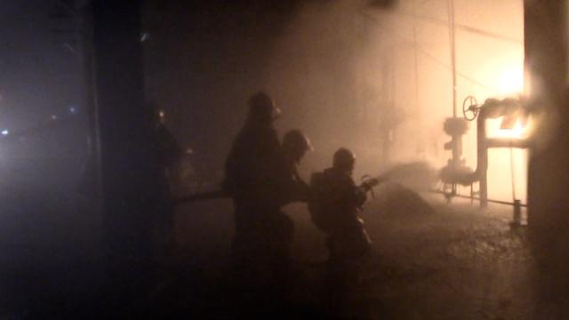 南京一石化厂爆炸,331名消防扑救