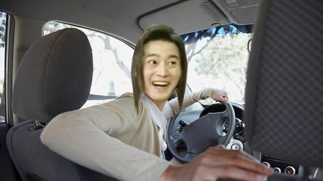 女司机倒车指南,看完都不敢碰车了