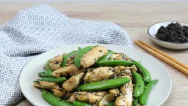 创意家常菜:橄榄菜豌豆炒鸡柳