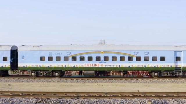 印度生命列车奔跑25年,救治百万人