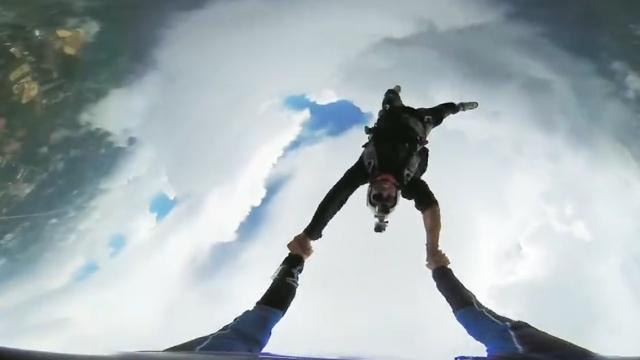一万米高空跳伞,玩的就是心跳!