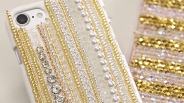 金色系蕾丝手机壳,装点成熟气质