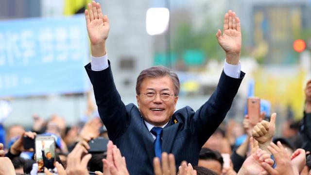 这个生在难民所的男人当选韩国总统