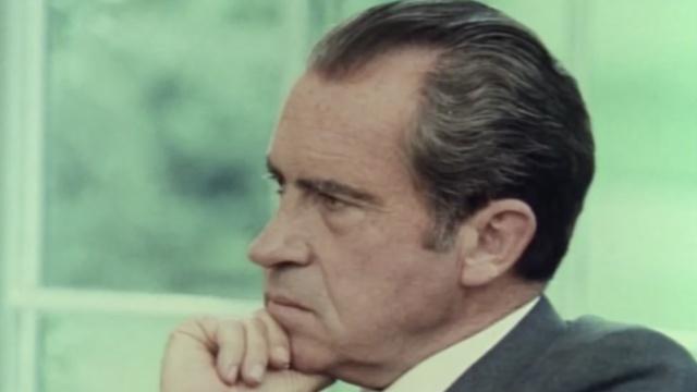 川普开除FBI局长,让人想起了尼克松