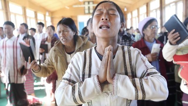 这些缅甸深山村民为何哭成这样?