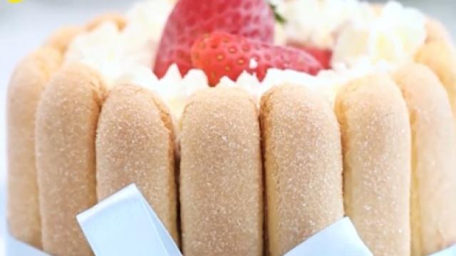 夏日午后的甜品,巧克力冰激凌蛋糕