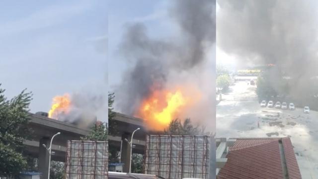 货车高速路上尾部起火,伴有爆炸声