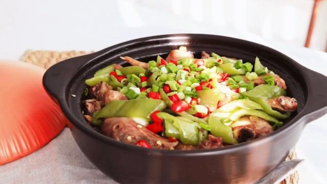 厨房小白都能大显身手的砂锅鸡煲