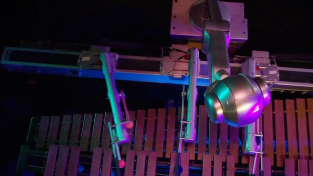 这台马林巴琴机器人能够自己谱曲