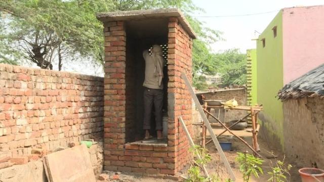 印度新片关注如厕难:娶妻先修厕所