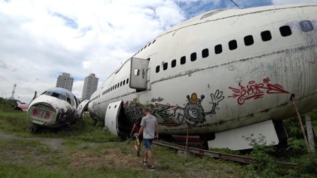 飞机墓园里,有一架报废的波音747