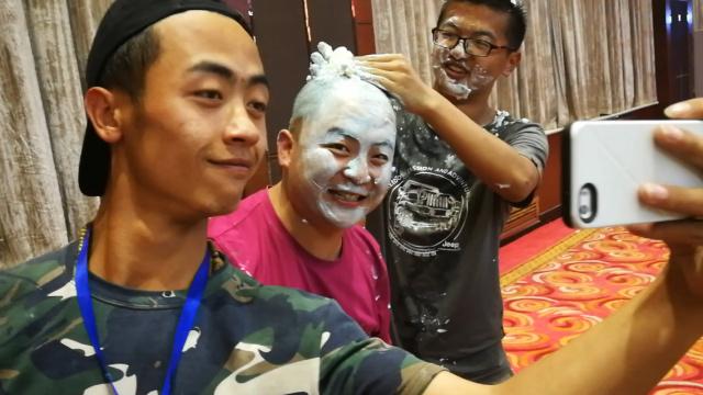 台湾同学的大陆生日party