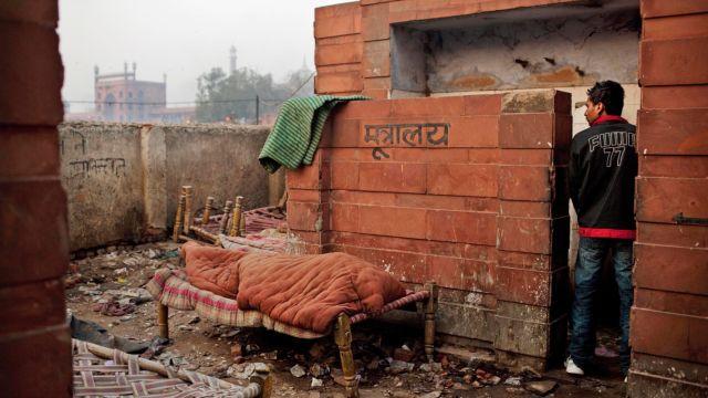 在印度,丈母娘挑女婿最看重厕所