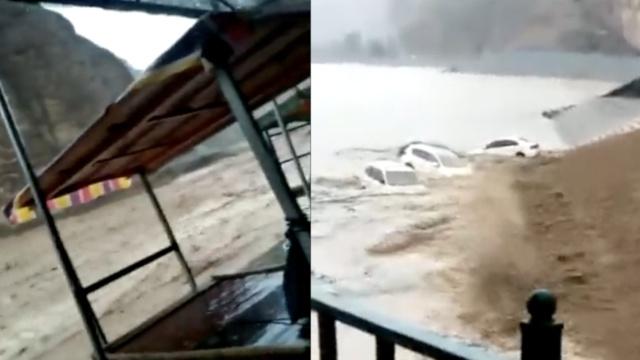甘肃一景区突发洪水,296名游客被困