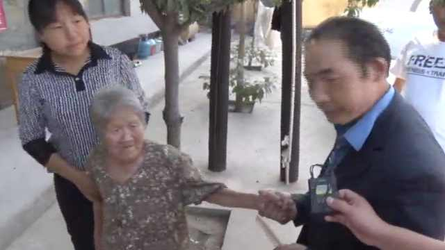 她被3熟人蒙眼拐卖,28年后寻得亲人