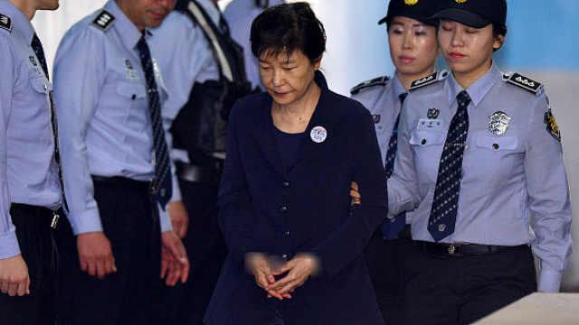 朴槿惠拘留期满,释放与否本周定