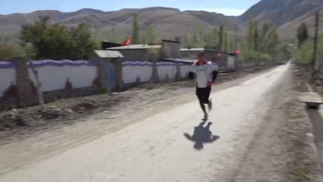 哈萨克族小伙长跑10年,剑指冬奥会