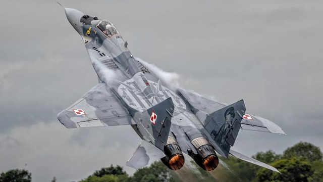 前苏联精英飞行员驾新式战机叛逃