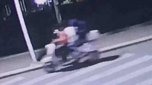 3未成年骑摩托闯高校,骚扰女大学生