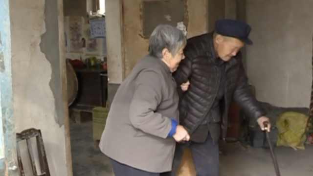 7旬老太照顾脑瘫儿40余年:不放弃