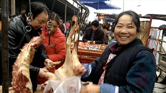 冬至抢购羊肉,重庆菜市场面壮观