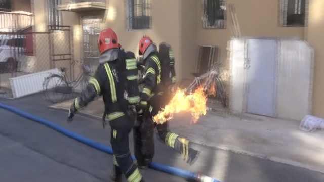 险!气罐被引燃,消防徒手抬罐狂跑