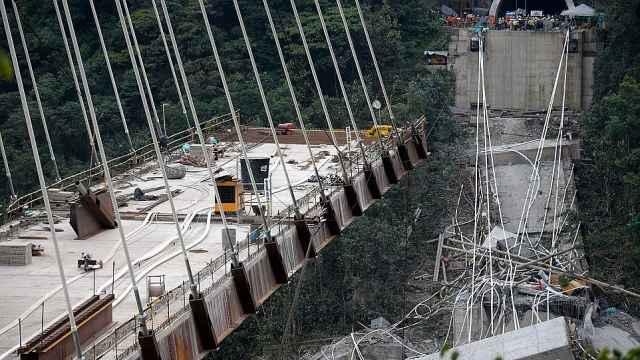 哥伦比亚在建桥梁垮塌,10人死亡