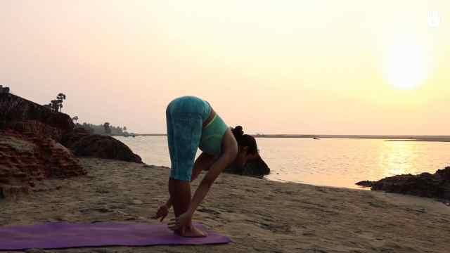 四个月渐进瑜伽练习:第三套动作