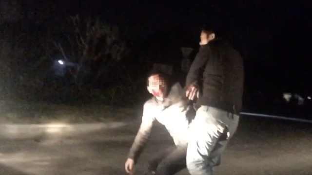 怪!他被撞一脸血,主动赔钱求别报警