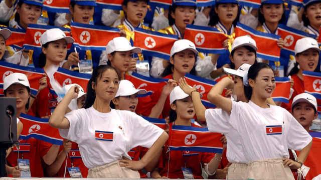 惊艳!细数朝鲜拉拉队16年魔性助威