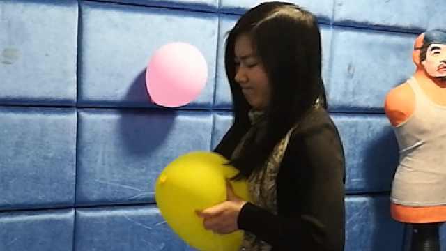 长沙情绪发泄室:打拳捏气球揍人偶