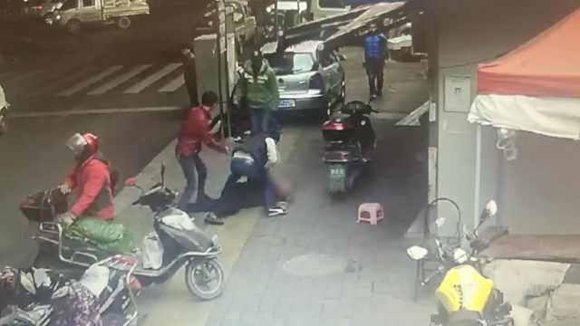 3人联手街头行窃,40天偷手机26部
