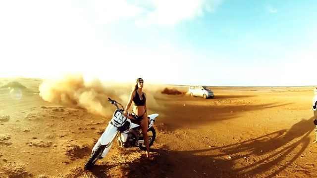 狂野写真如何拍?车子在身后扬沙