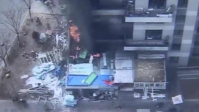 楼下超市违建起火,害惨邻居及楼上