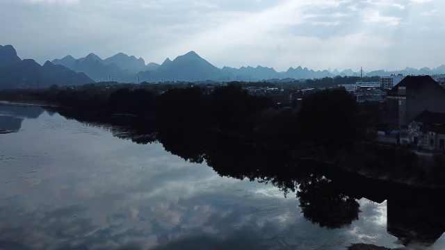 桂林漓江边上,有个小渔村