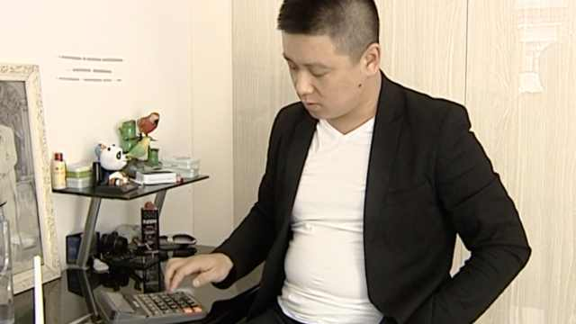 计算器开启音乐门,他学玩20种乐器