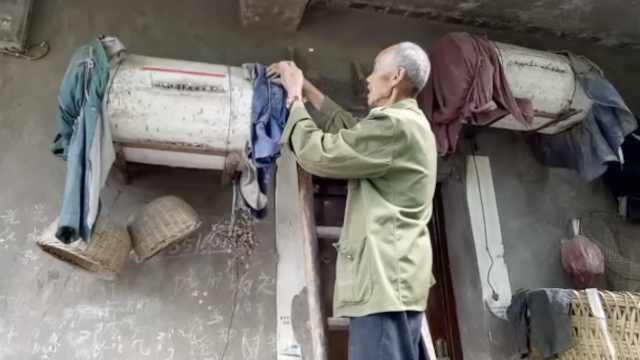 7旬翁养蜂60年,蜂箱似