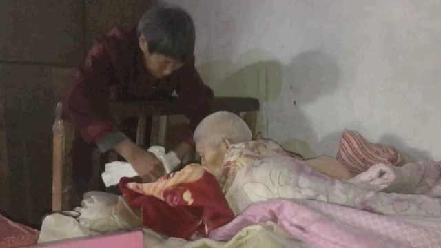 她照顾瘫痪丈夫52年,从妙龄到白头