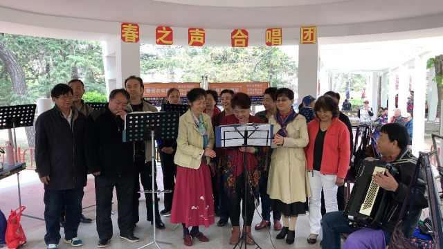 这合唱团平均年龄63岁,只唱红歌