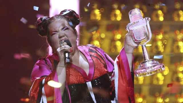 以色列胖妹神曲夺冠欧洲歌唱大赛