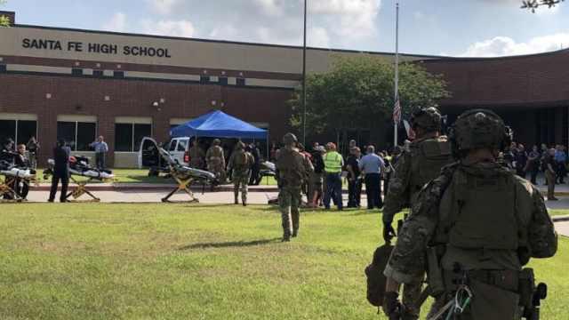 美国得州发生校园枪击,至少8人死亡